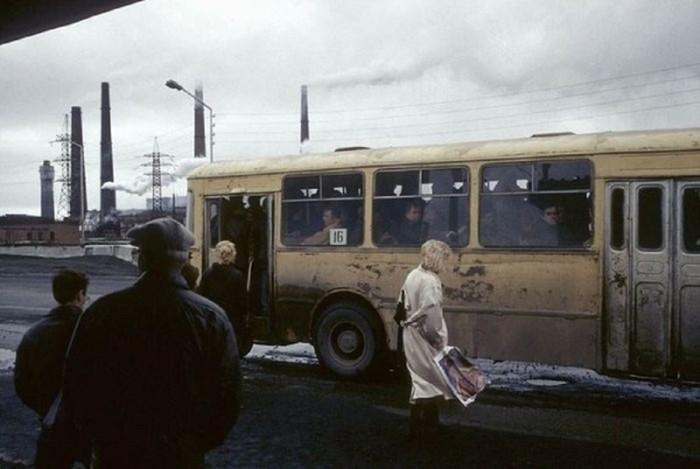Ретро фотографии, рассказывающие о том, как жили россияне в 1990-е годы.