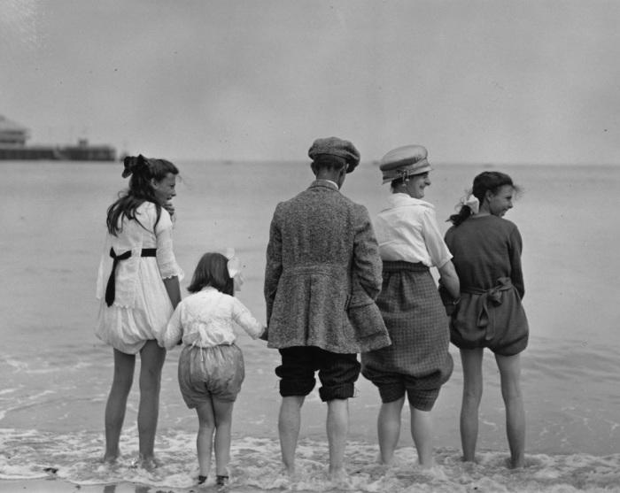 Семейный отдых у моря в Клактоне. Англия,1922 год.