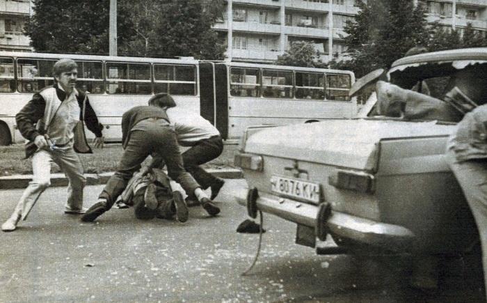 Обезвреживание преступной банды вымогателей на проспекте маршала Рокоссовского. СССР, Киев, 1989 год.