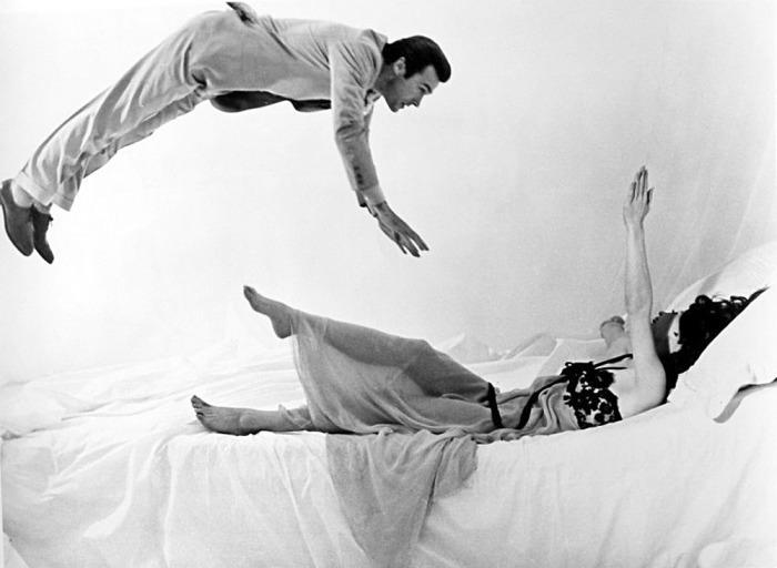 Сильвана Мангано и Клинт Иствуд в фильме «Ведьмы». Режиссер Витторио де Сика, 1966 год.