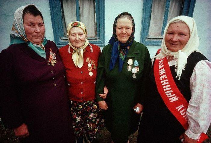 Ветераны Великой Отечественной войны и ветераны труда. СССР, Москва, 1980-е годы.