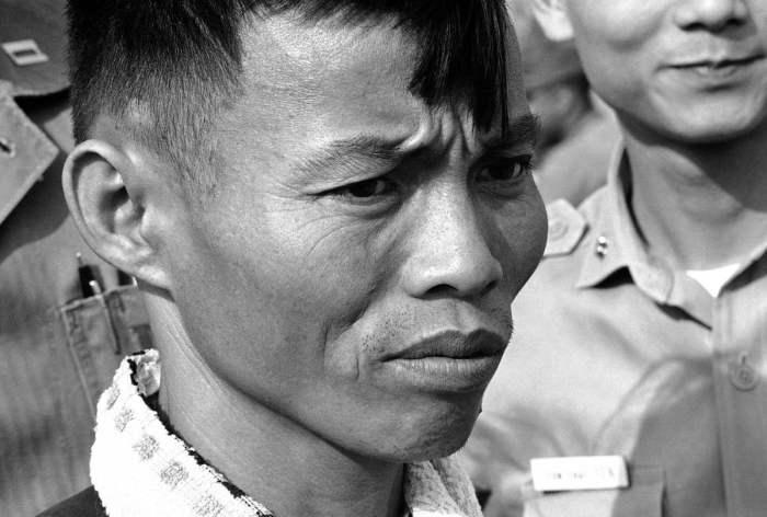 Боец армии Северного Вьетнама, взятый в плен 19 ноября, американскими подразделениями, которые пешим порядком следовали в зону высадки Crooks, расположенную в 10 километрах от зоны Albany.