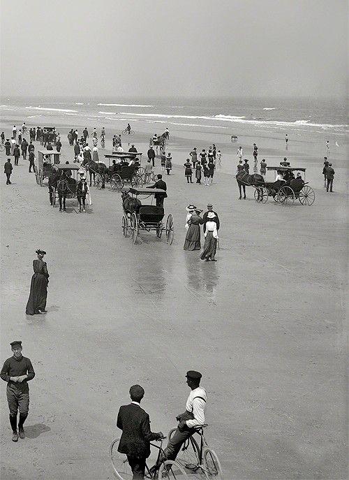 Отдыхающие на пляже. США, Флорида, 1904 год.