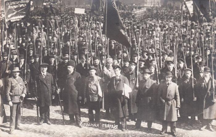 Добровольные вооружённые отряды, создававшиеся территориальными партийными организациями РСДРП для осуществления революции 1917 года.