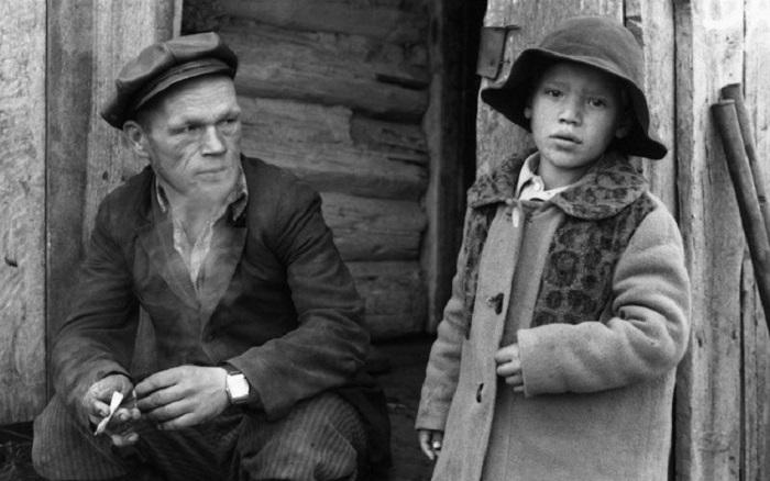 Местные жители. СССР, Мариинский район, Село Белогородка, 15 сентября 1979 год.