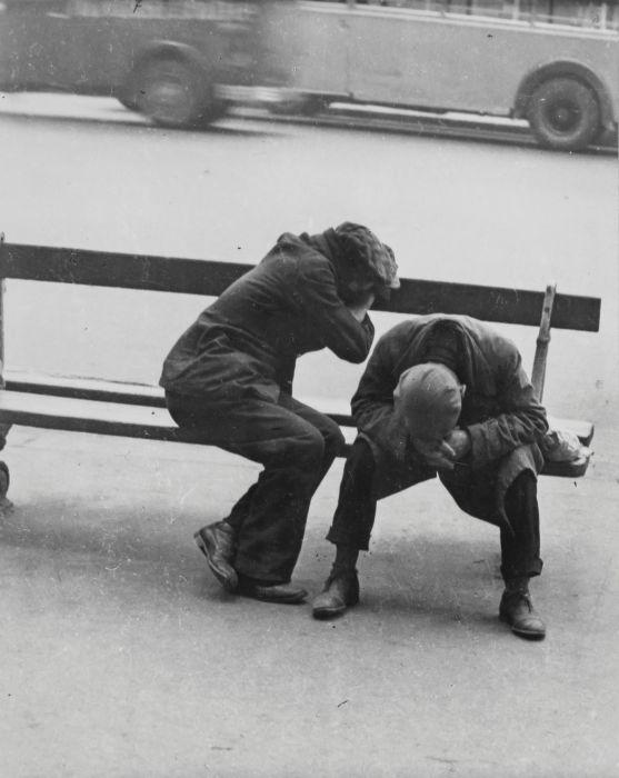 Категория лиц не имеющих жилья. Площадь Республики, 1935 год.