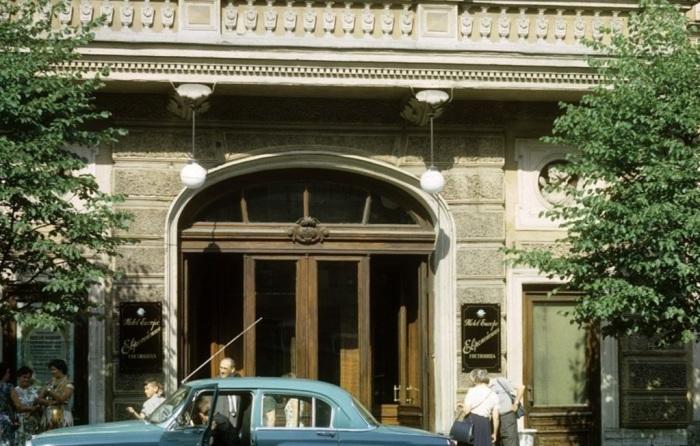 Вход в гостиницу «Европа». СССР, Минск, 1963 год.