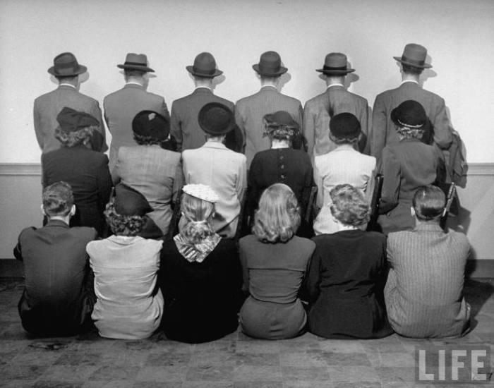 На этом групповом снимке изображены детективы, которых нанимал магазин Macy, чтобы предотвратить кражи в 1948 году.