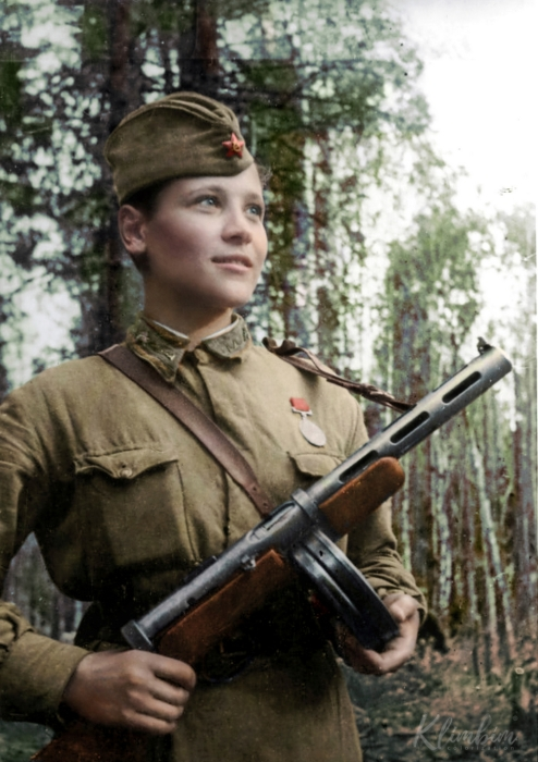 Любовь Карцева, военный медик, разведчица, 1942 год.
