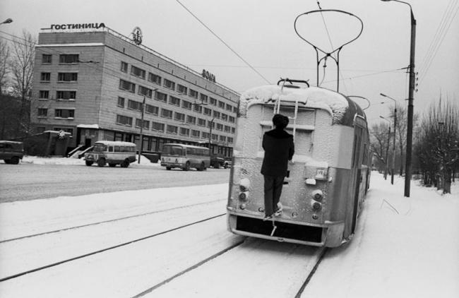 Чаще всего зайцы ездят на хвостовой сцепке трамвая. Автор фотографии: Evgeny Kanaev.