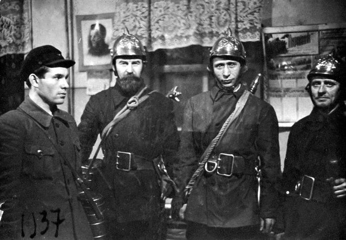 Пожарная охрана Ленинградской шляпной швейной фабрики. СССР, Ленинград, 8 марта 1937 года.