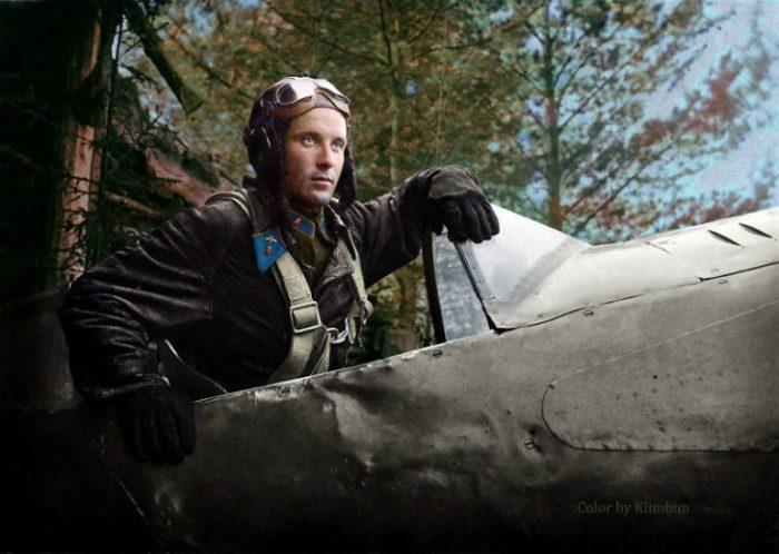 Александр Георгиевич Пронин, советский летчик-истребитель, 1942 год