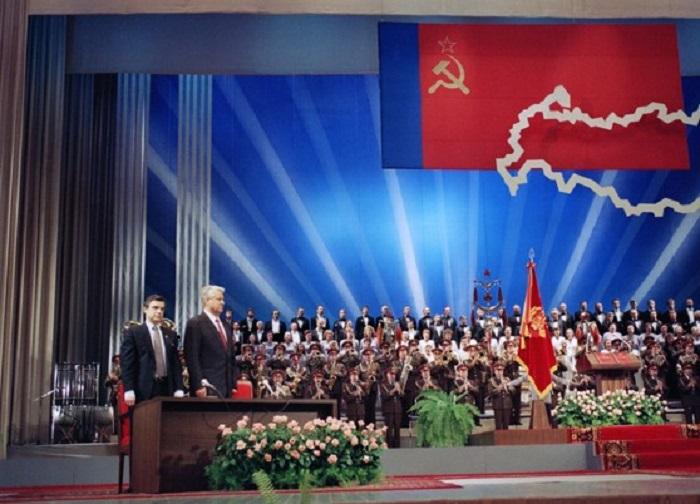 17 июня состоялась инаугурация Бориса Ельцина на пост президента Российской Советской Федеративной Социалистической Республики.