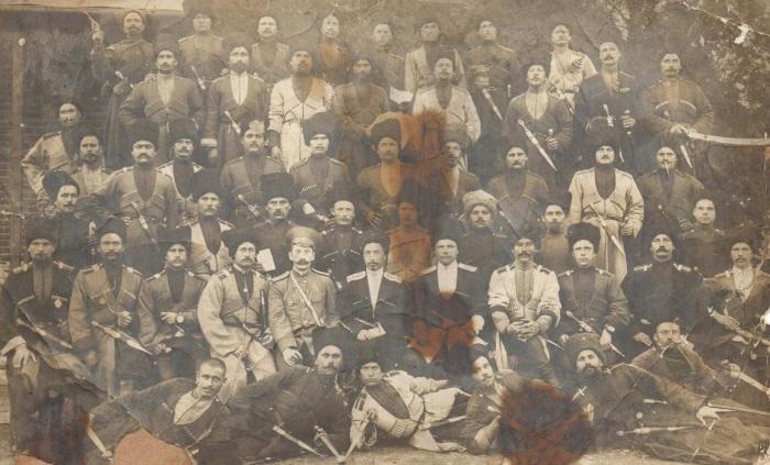 Групповое фото кубанских казаков Кавказского полка.