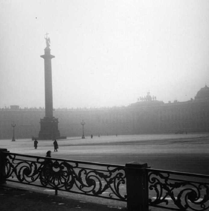 Вид на Дворцовую площадь. СССР, Ленинград, 1955 год.