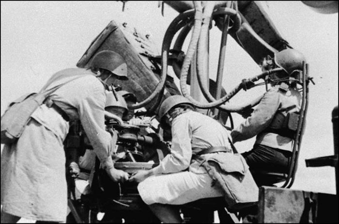 Женский расчет «слухачей». Маньчжурия, 1945 год.
