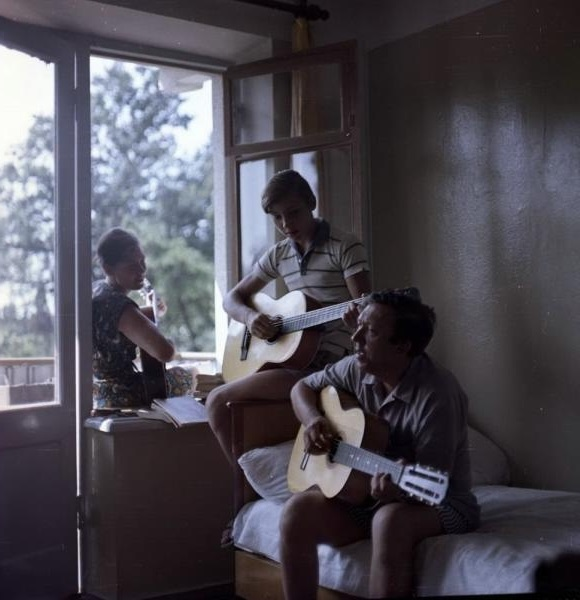 Юрий Никулин с женой и сыном на отдыхе. СССР, 1970-е годы.