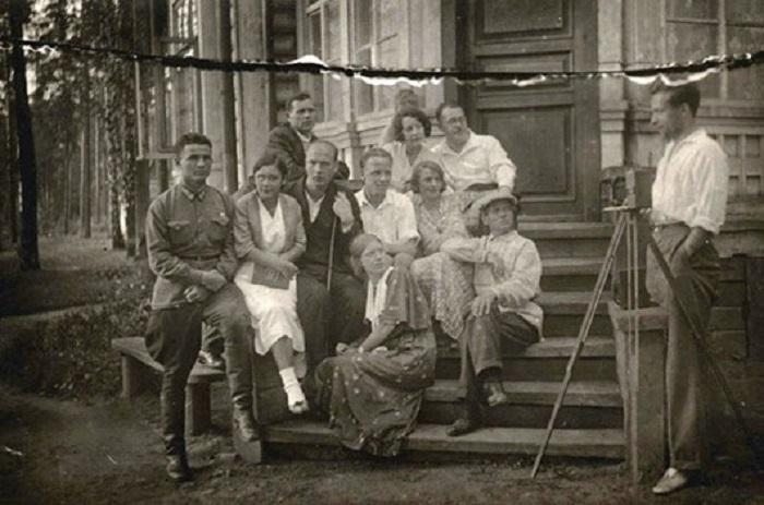Группа людей 1930 год.
