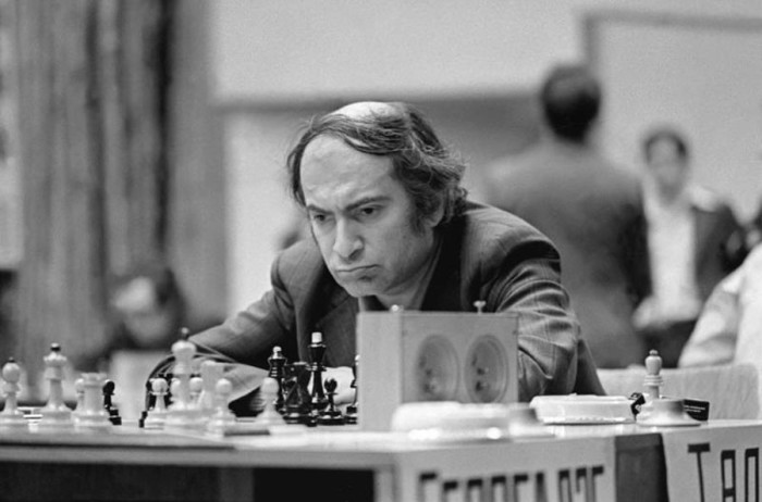 Лидер 46-го чемпионата СССР по шахматам экс-чемпион мира Михаил Таль, 21 декабря 1978 года.