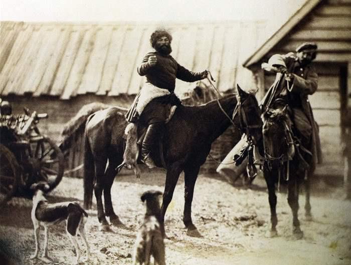 Донские казаки, возвращающиеся с охоты. Россия, 1876 год. Фото: Ivan Boldyrev.