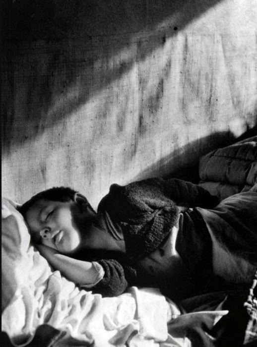 Спящий Винсент. Франция, Париж, 1946 год.
