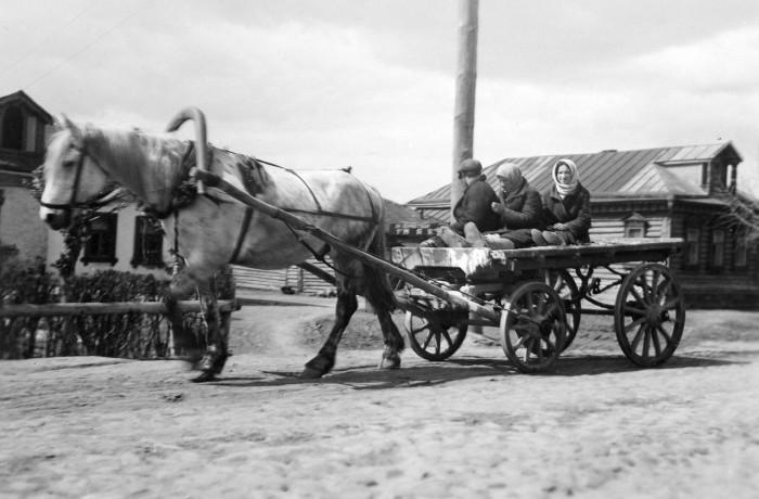 Поездка в город. СССР, 1935 год.