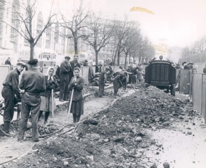 Ремонт улицы в Москве. СССР, 1983 год.