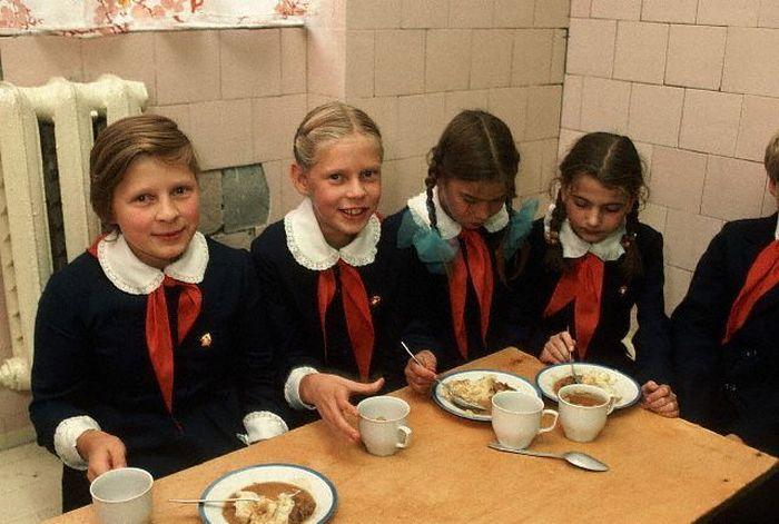 Предприятие общественного питания. СССР, Москва, 1980-е годы.