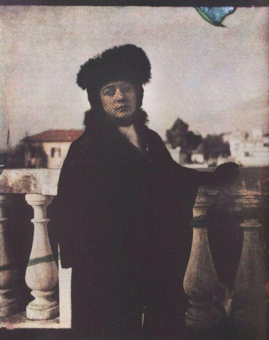 Портретный снимок Анны Андреевны. Рим, 1914 год.