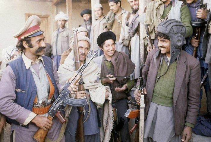 Отряд мусульманских повстанцев недалеко от Кабула, 21 февраля 1980 года.