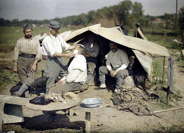 Фронтовой быт французских солдат в 1917 году.