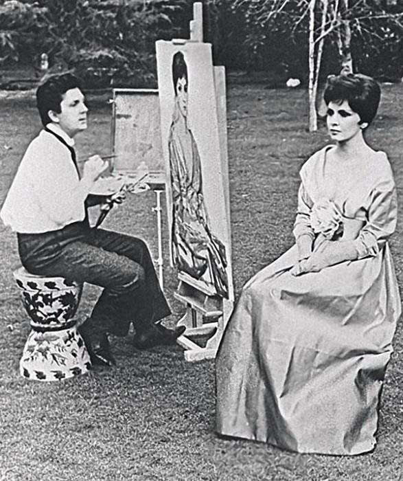 Художник Илья Глазунов пишет портрет Джины Лоллобриджиды. 1964 год