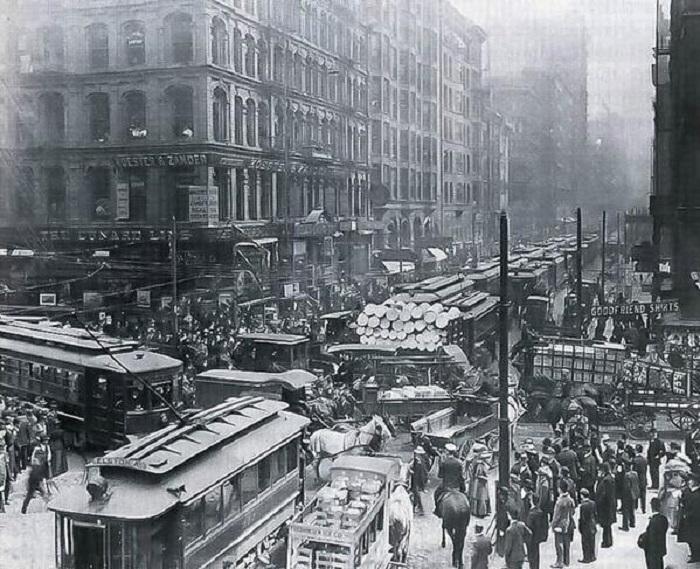 Час пик в Чикаго в 1909 году.