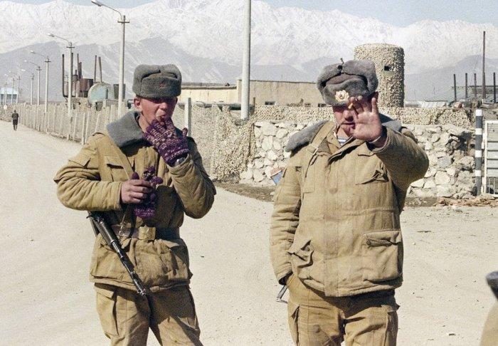 Советские солдаты в Кабуле, 10 февраля 1989.
