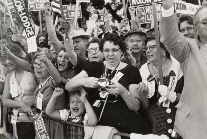 Толпы людей во время президентской компании Джона Фицджеральда Кеннеди. США, Техас, 1960 год.