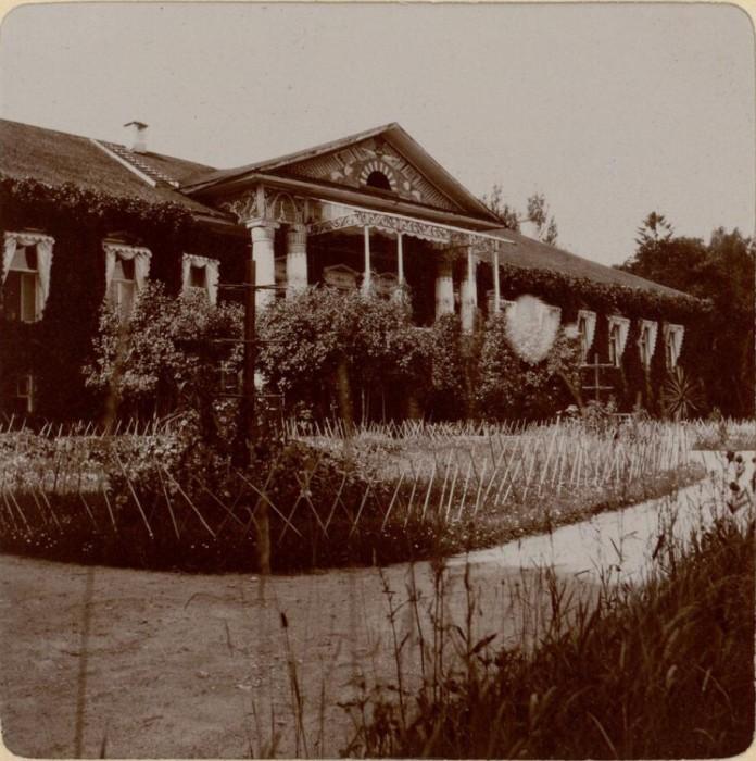 Усадьба и сад. Россия, село Талашкино, 1909 год.
