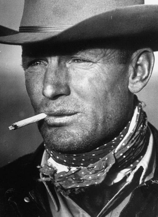 39-летний техасский ковбой Clarence Hailey, образ которого был использован впоследствии для рекламы сигарет.