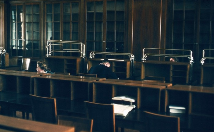 Читальный зал в Государственной библиотеке СССР имени В. И. Ленина. СССР, Москва, 1950-е годы.