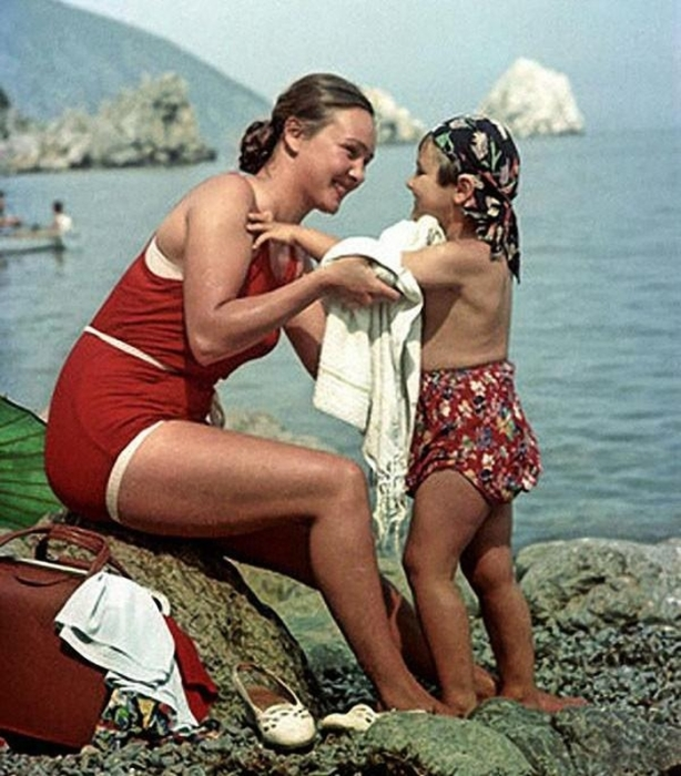 Светлый образ настоящей советской женщины.