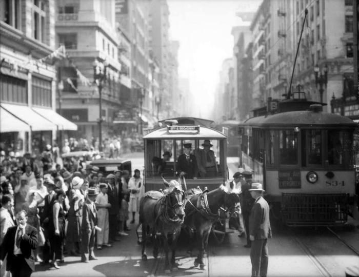 Повозка в центре города. Лос-Анджелес, Бродвей, 1931 год.