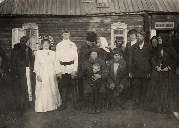 Свадьба. Канский уезд, деревня Карымова, 1 октября 1913 года.