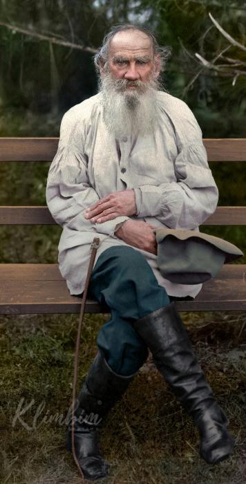 Великий русский писатель, по происхождению - граф из известного дворянского рода.