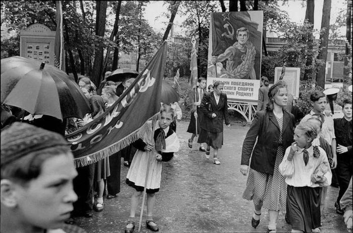 День международной солидарности трудящихся. СССР, Ленинград, 1954 год.