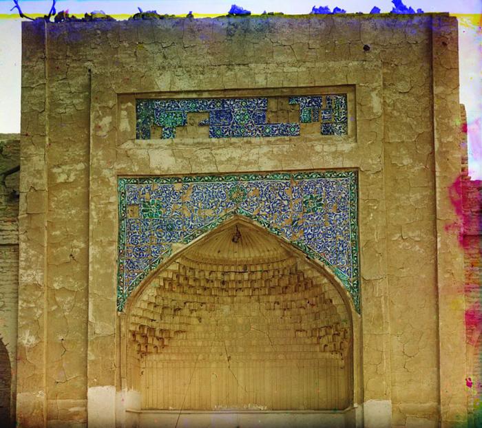 Необыкновенная мозаика над вратами в царской усыпальнице Богоэддин. Бухара, 1905 год.