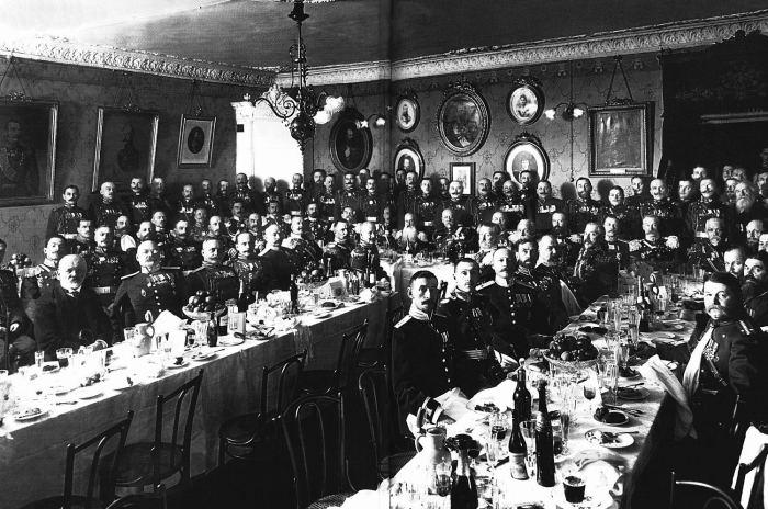 Банкет для личного состава Фельдъегерского корпуса. Россия, 1914 год.