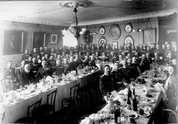 Банкет для личного состава в день юбилея. Россия, 1914 год.
