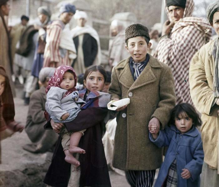 Дети на улице в Кабуле, ноябрь 1961 года.