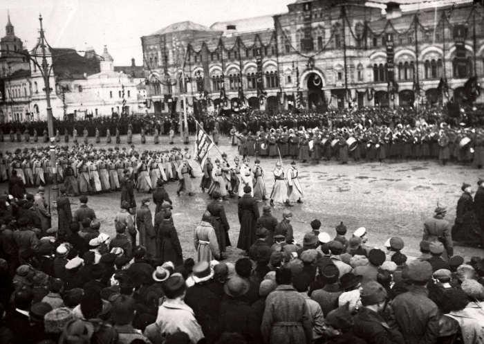 Разруха, голод, парад. СССР, 1922 год.