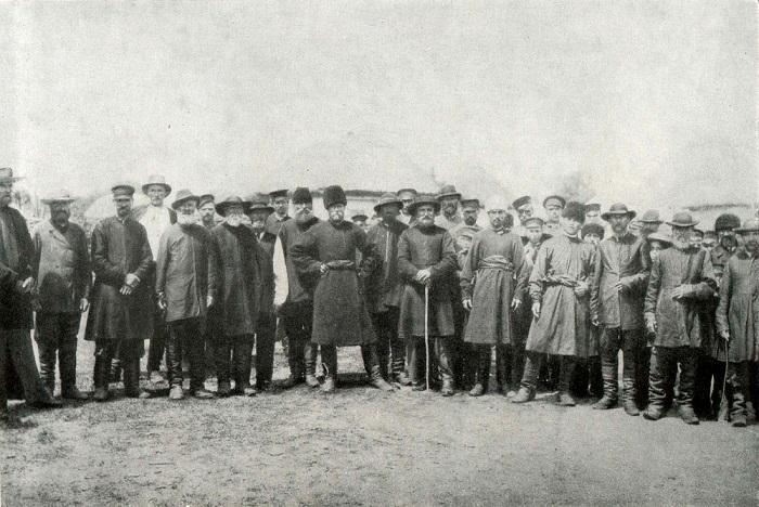 Группа пожилых мужчин. Полтавщина, начало XX века.