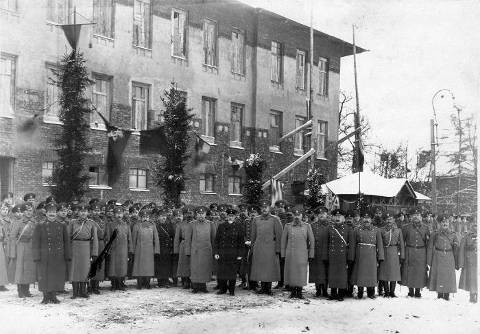 Группа офицеров с премьер-министром Коковцовым. Россия, 1914 год.